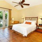 Queen Room in three Bedroom Villa