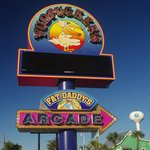 Fudpucker's On The Island - Retro Sign