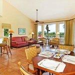 Garden Villa's Living-room