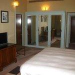 Claridges - Deluxe Room 1 - bedroom