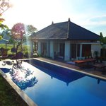 Swimming pool and villas 5 & 6