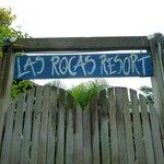 Las Rocas gate