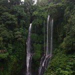 waterfall sekumpul