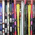 The ski's.