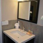 Doulbe Queen Bathroom