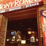 tony roma / appalling service !!