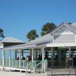 Beachfront bar/restaurant
