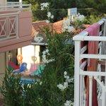 Utsikt från balkongen åt höger