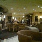Le coin bar et salle à manger