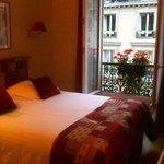 Foto van New Orient Hotel
