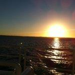 Vista del atardecer desde el Catamarán