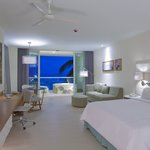 Junior Suite Guestroom with Private Whirpool