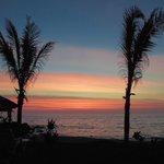 Underbart så säg - Solnedgången från vår terass... FREEDOM...