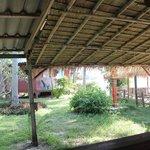 vue du lounge côté bungalow