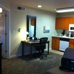 Kitchen & study area