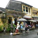 Roadside cafe and shops in Hoi An
