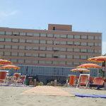 HOTEL MION (Visto dalla spiaggia privata)