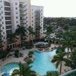 Vista de la piscina desde nuestro balcón.