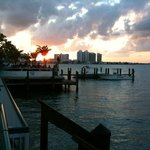 Shuckers Dockside Bar & Grill