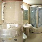 Bathroom (Jacuzzi Tubs)