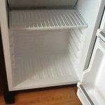 frigo sale et vide