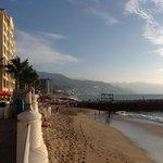 maravillosa vista desde la playa privada....