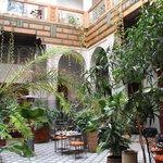 Il patio interno per la ristorazione