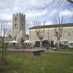 Il centro di vecchiano con la Torre del Comune