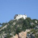 La Rocca di Vecchiano vista dal paese