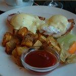 Eggs Benedict -delicious