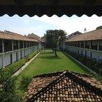 Отель и правда - крепость!