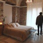 Chambre sur rue 1er étage (sans balcon mais avec lit en 160)