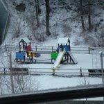 Parque infantil que hay en frente