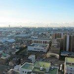 朝部屋からの尼崎市内の眺め