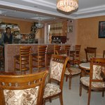 bar/dining