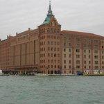 L'Hotel dal vaporetto sul Canale della Giudecca