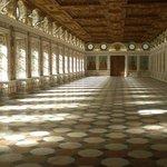 Schloss Ambrass, interno