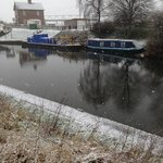walk to the lock then back to the George n dragon for real ale n roaring fire