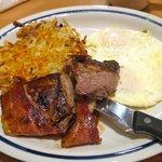 Steak, egg and hash browns, yum !