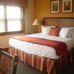 1 bed deluxe bedroom