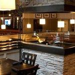 McGinnis Restaurant and Bar의 사진