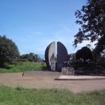 The Agricultor park hosts Monumento Agricultor, we are right behind it !