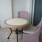 Junior Suite Ocean Front - table on balcony