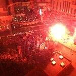 晚上房間看出去的景色(Show time 時) 最後煙火還會從窗前飛過 很壯觀