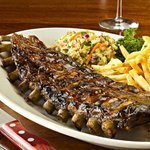 BBQ Ribs con Coleslaw y French Fries