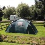 Larges emplacements de camping