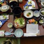 和会席は品数も多く、海山の幸をたっぷり味わえました。