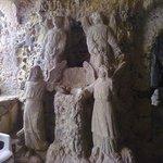 Chiesa di piedigrotta interno. Statue tufacee