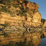 kliffen van zandsteen langs de Ebro