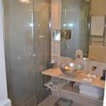 Huge Bathroom Suite! Enclosed toilet and bidet, double sinks and jetted bathtub!